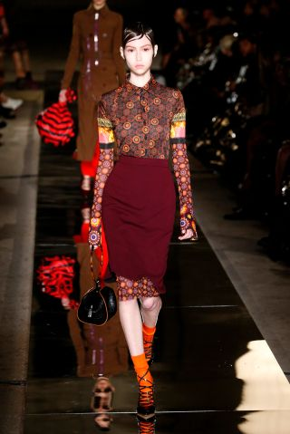 Givenchy : Runway - Paris Fashion Week Womenswear Spring/Summer 2017