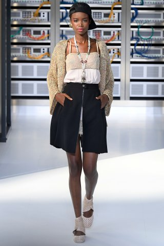 Chanel : Runway - Paris Fashion Week Womenswear Spring/Summer 2017