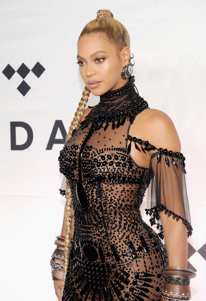 Best Female R&B/Pop Artist