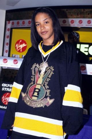 Aaliyah Instore at Virgin Megastore in London - May 1, 1995