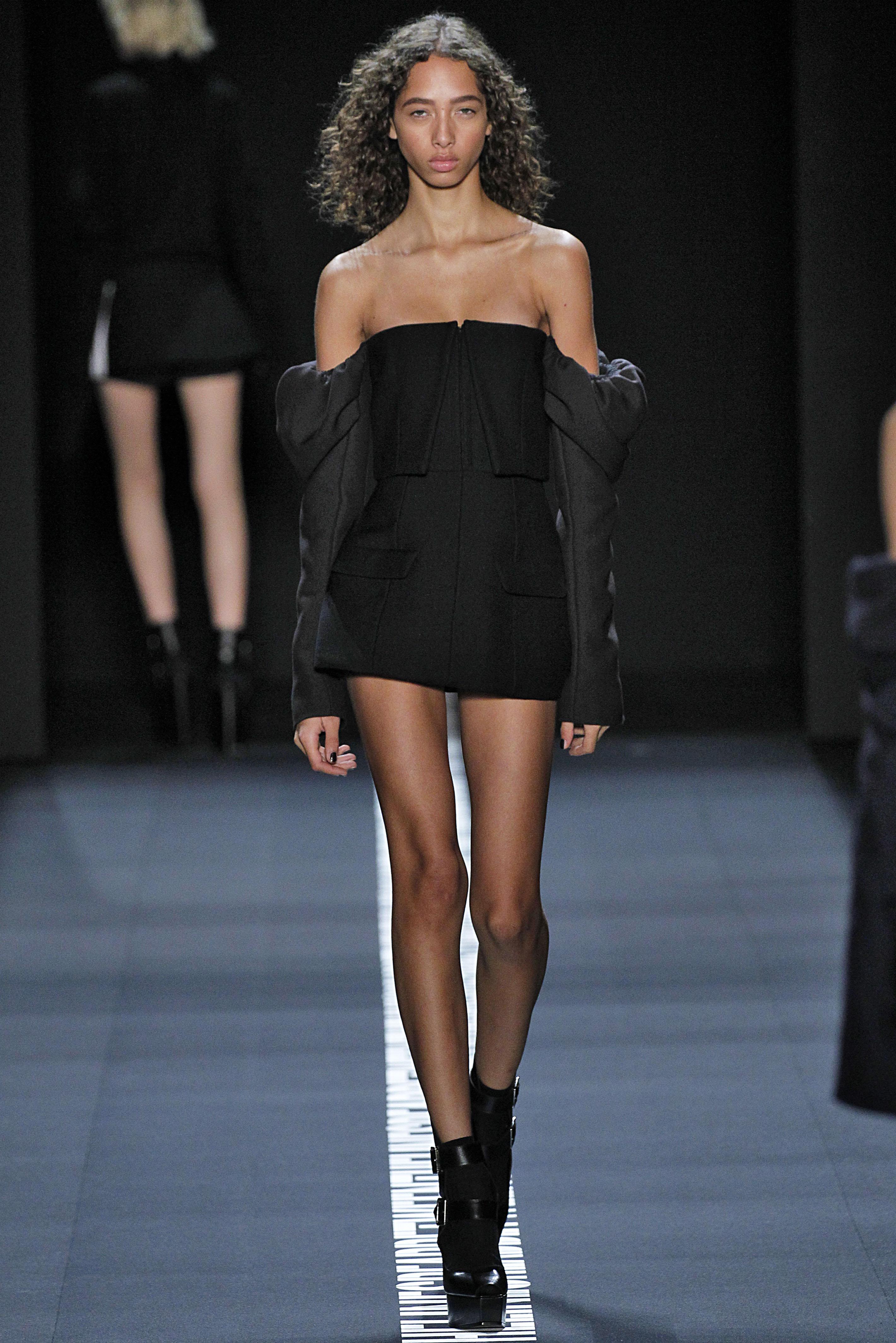 Vera Wang - Runway - September 2016 New York Fashion Week