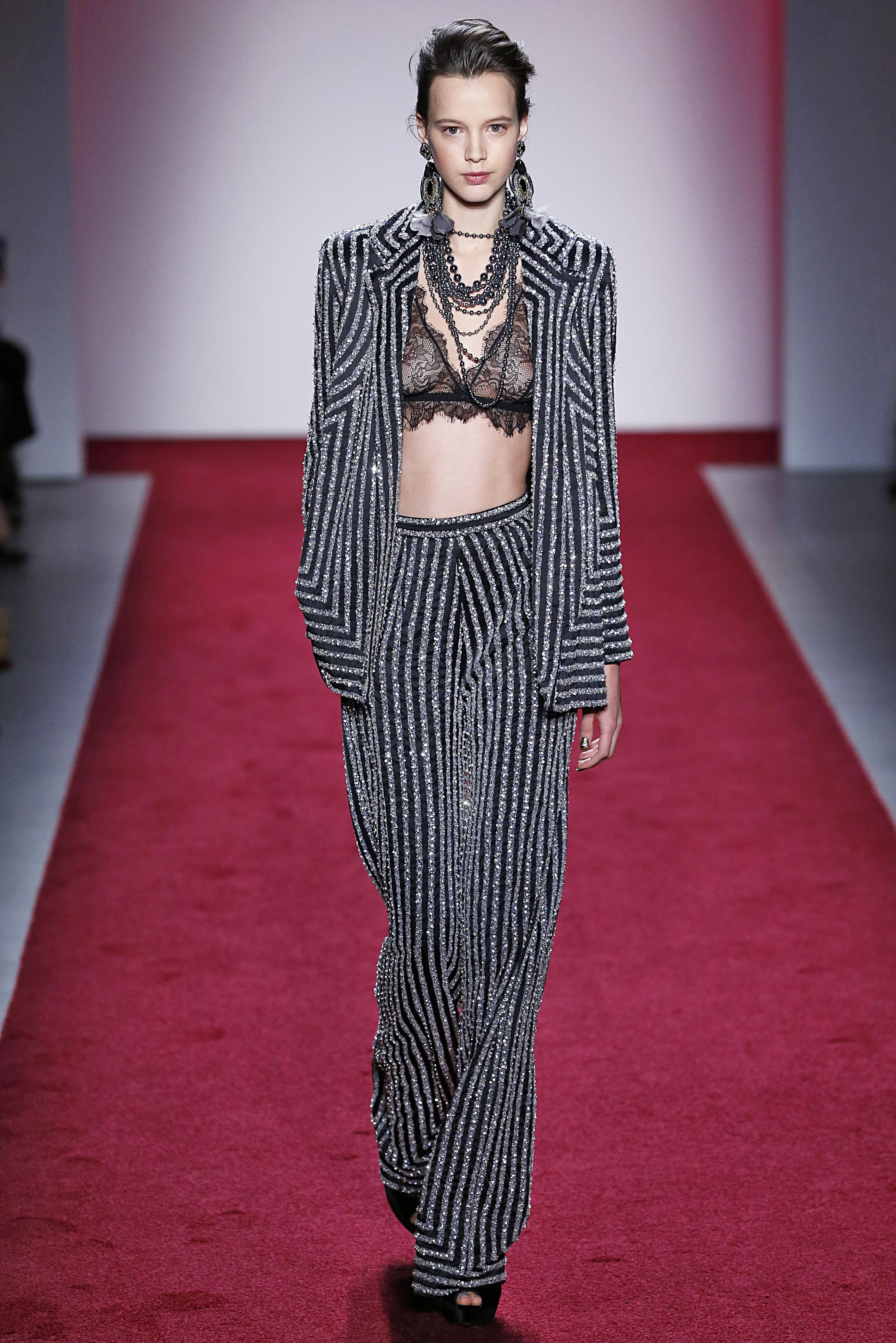 Naeem Khan - Runway - February 2017 - New York Fashion Week