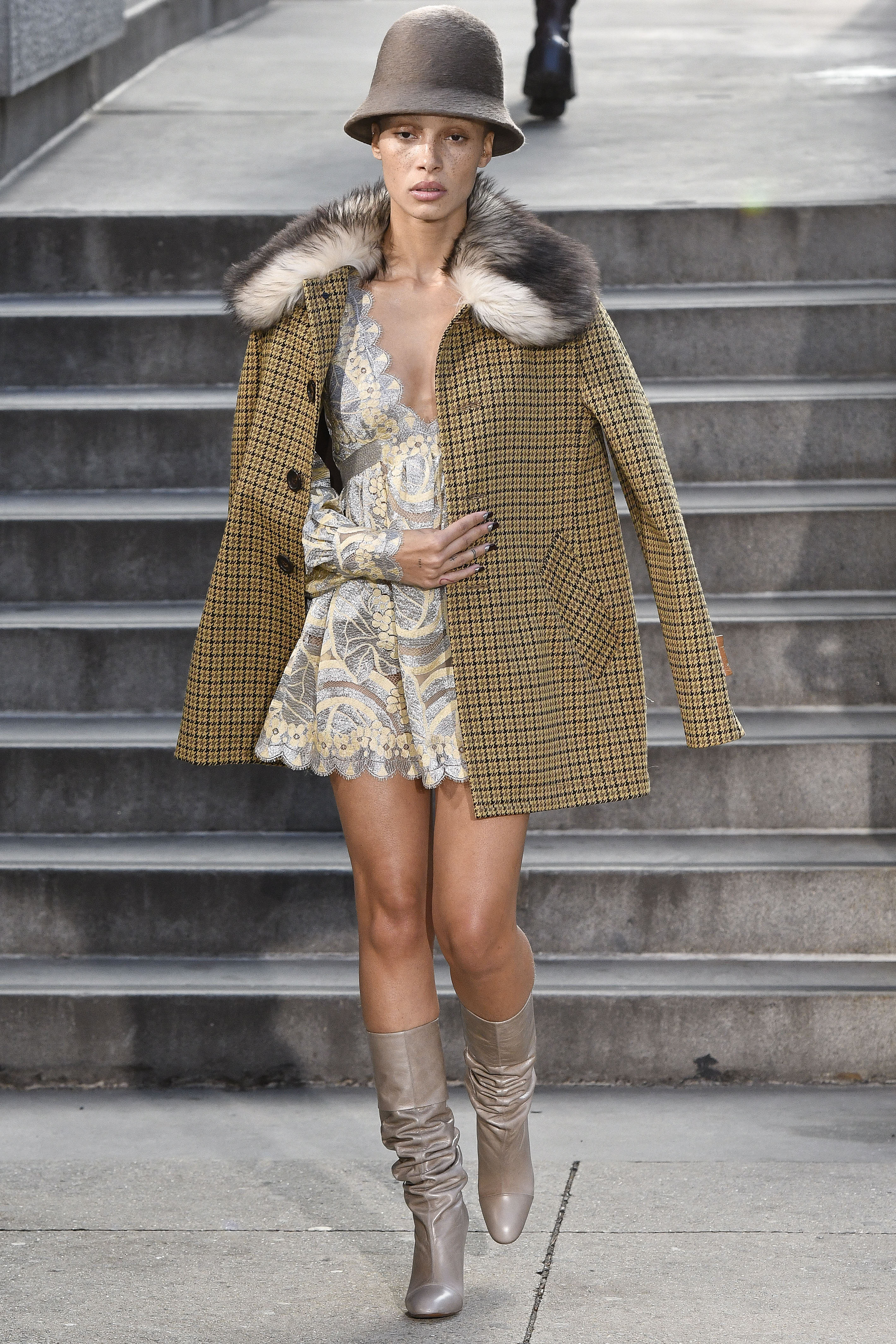 Marc Jacobs - Runway - February 2017 - New York Fashion Week