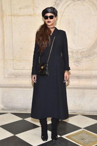 Christian Dior : Photocall - Paris Fashion Week Womenswear Fall/Winter 2017/2018