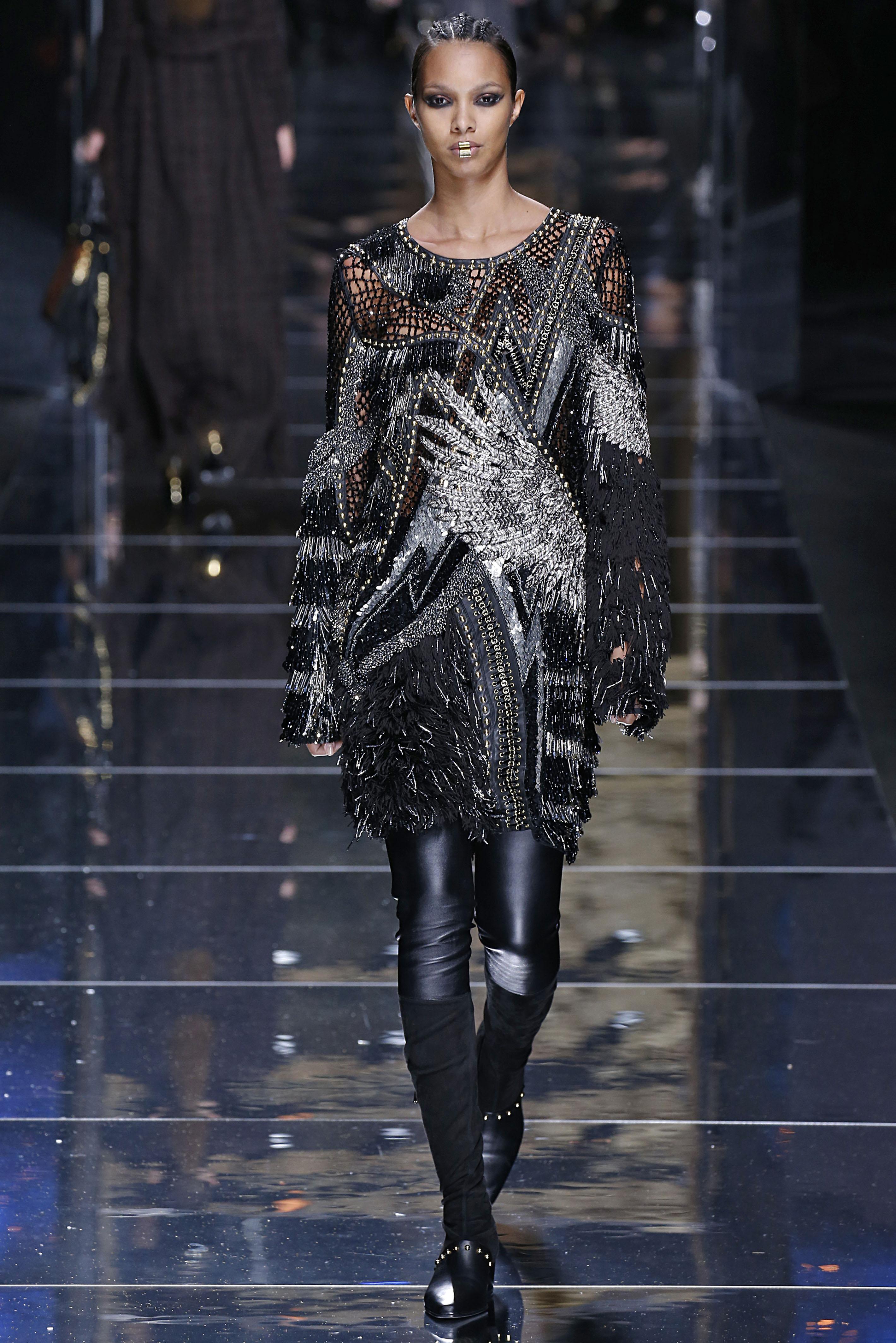 Balmain : Runway - Paris Fashion Week Womenswear Fall/Winter 2017/2018