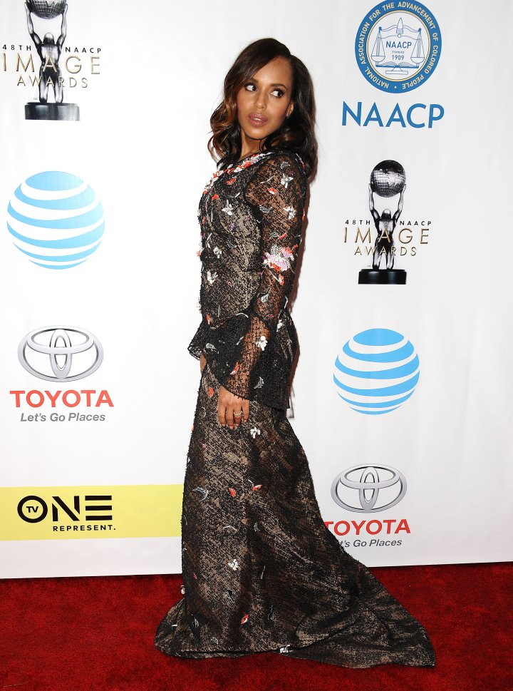 Kerry Washington attends the 48th NAACP Image Awards