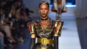 Jean Paul Gaultier : Runway - Paris Fashion Week - Haute Couture Fall/Winter 2017-2018