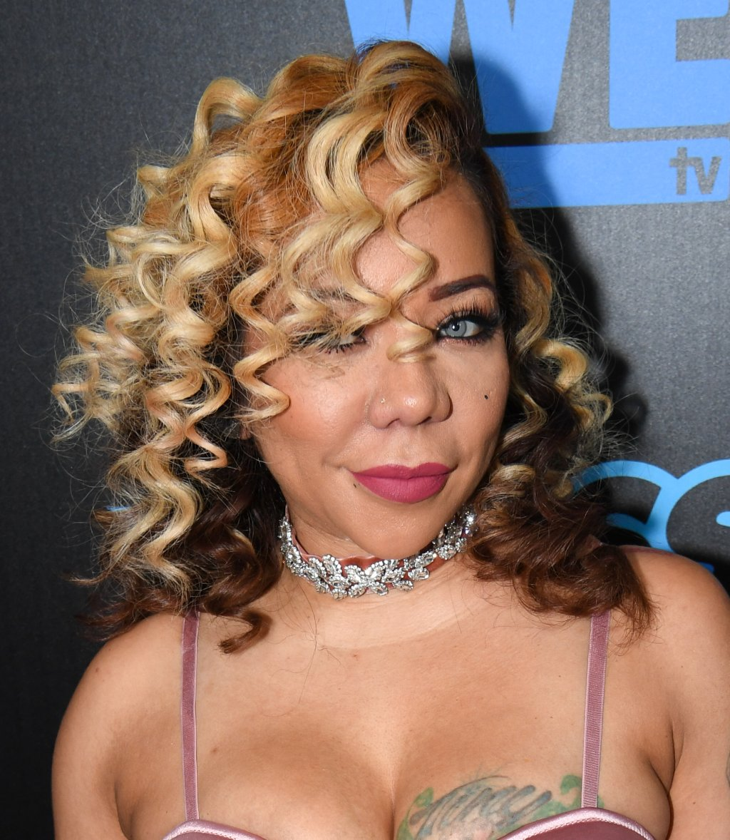 Tiny Harris SNATCHES Claudia Jordan's Edges For Trash Talking Her!