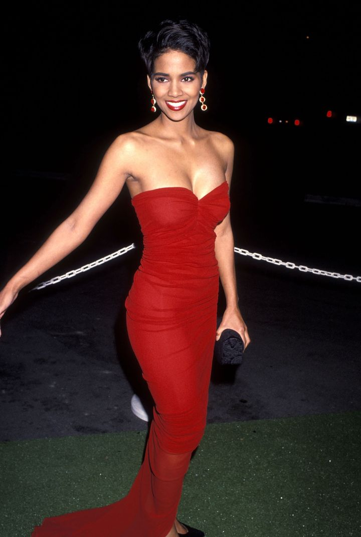 HALLE BERRY AT THE 24TH ANNUAL NAACP IMAGE AWARDS, 1992
