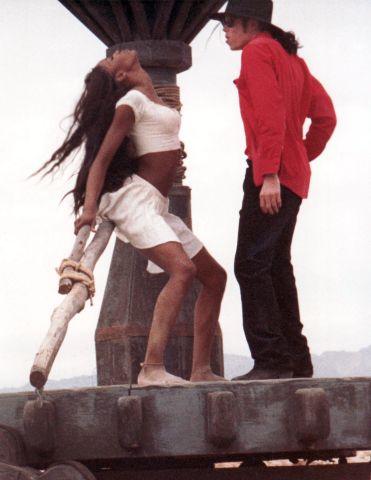 MICHAEL JACKSON AND NAOMI CAMPBELL SHOOTING A MUSIC VIDEO