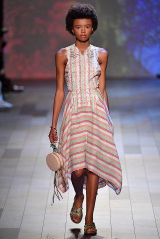 Vivienne Tam - Runway - September 2017 - New York Fashion Week