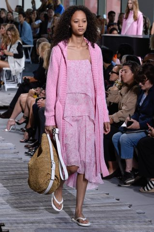 Michael Kors - Runway - September 2017 - New York Fashion Week