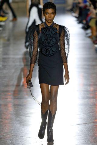 Givenchy : Runway - Paris Fashion Week Womenswear Spring/Summer 2018