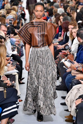 Celine : Runway - Paris Fashion Week Womenswear Spring/Summer 2018