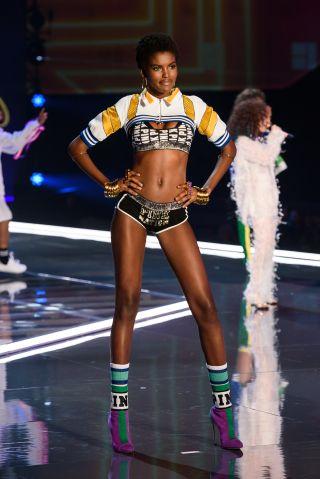 Victoria's Secret Fashion Show Amilina Estivao