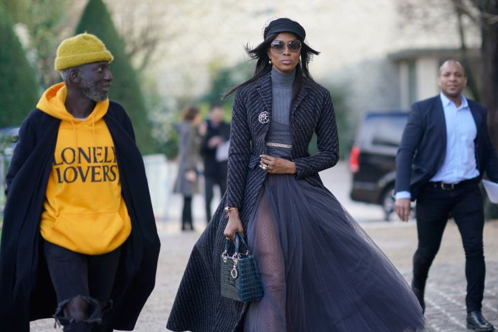 JENKE AHMED TAILLY (L) AND NAOMI CAMPBELL (R)