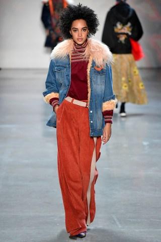 Vivienne Tam - Runway - February 2018 - New York Fashion Week