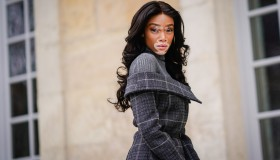 Street Style : Paris Fashion Week Womenswear Fall/Winter 2018/2019 : Day Two