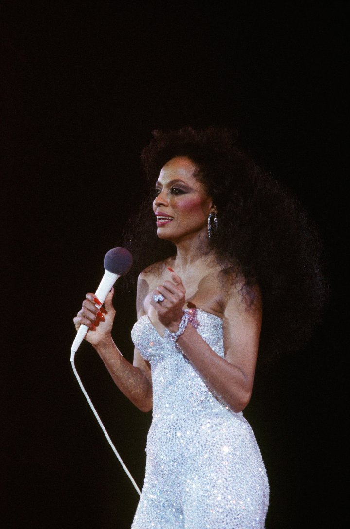 Diana Ross Performs Live at Paris Bercy Concert Hall