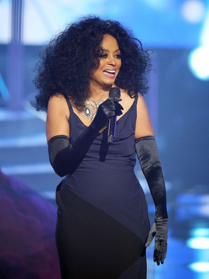 Diana Ross Performs at the 2017 American Music Awards