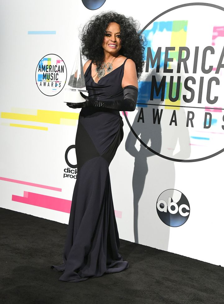 Diana Ross poses at the 2017 American Music Award