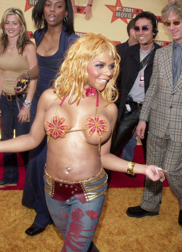 Lil Kim at The 2001 MTV Movie Awards