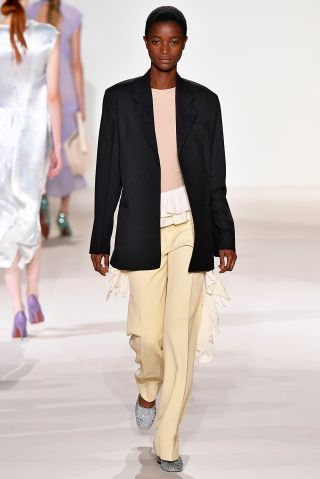 Victoria Beckham - Runway - September 2017 - New York Fashion Week