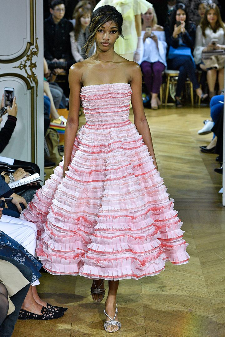 John Galliano : Runway – Paris Fashion Week Womenswear Spring/Summer 2018