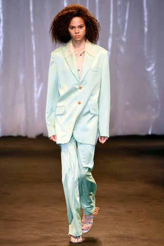 Acne Studios : Runway - Paris Fashion Week Womenswear Spring/Summer 2018
