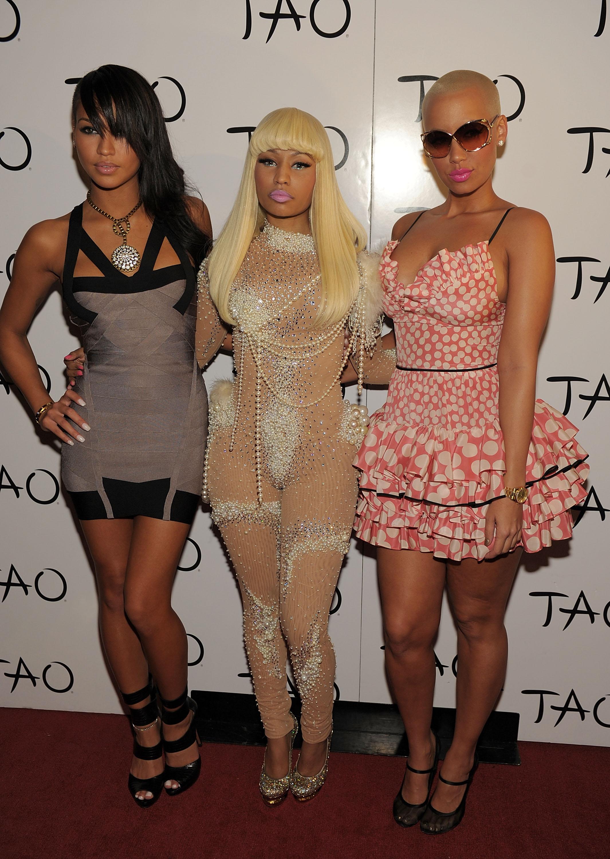 Nicki Minaj Defends Amber Rose On Twitter Ocer Nude Pics!