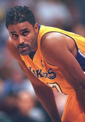 018338.SP.1020.Lakers29.VC Laker forward Rick Fox during preseason game against Seattle at Staples C