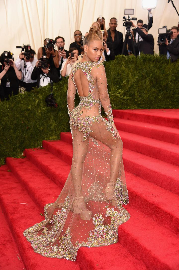 Givin' Them Some Skin Bey