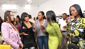 Jennifer Williams Hosts Sip And Shop