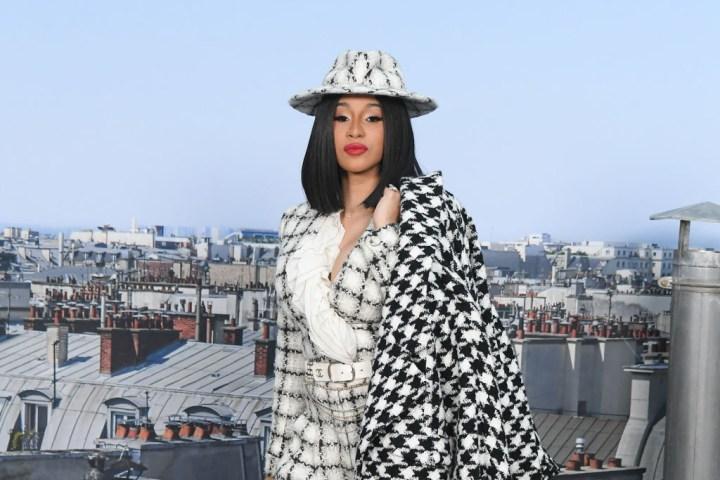 Chanel : Photocall - Paris Fashion Week - Womenswear Spring Summer 2020