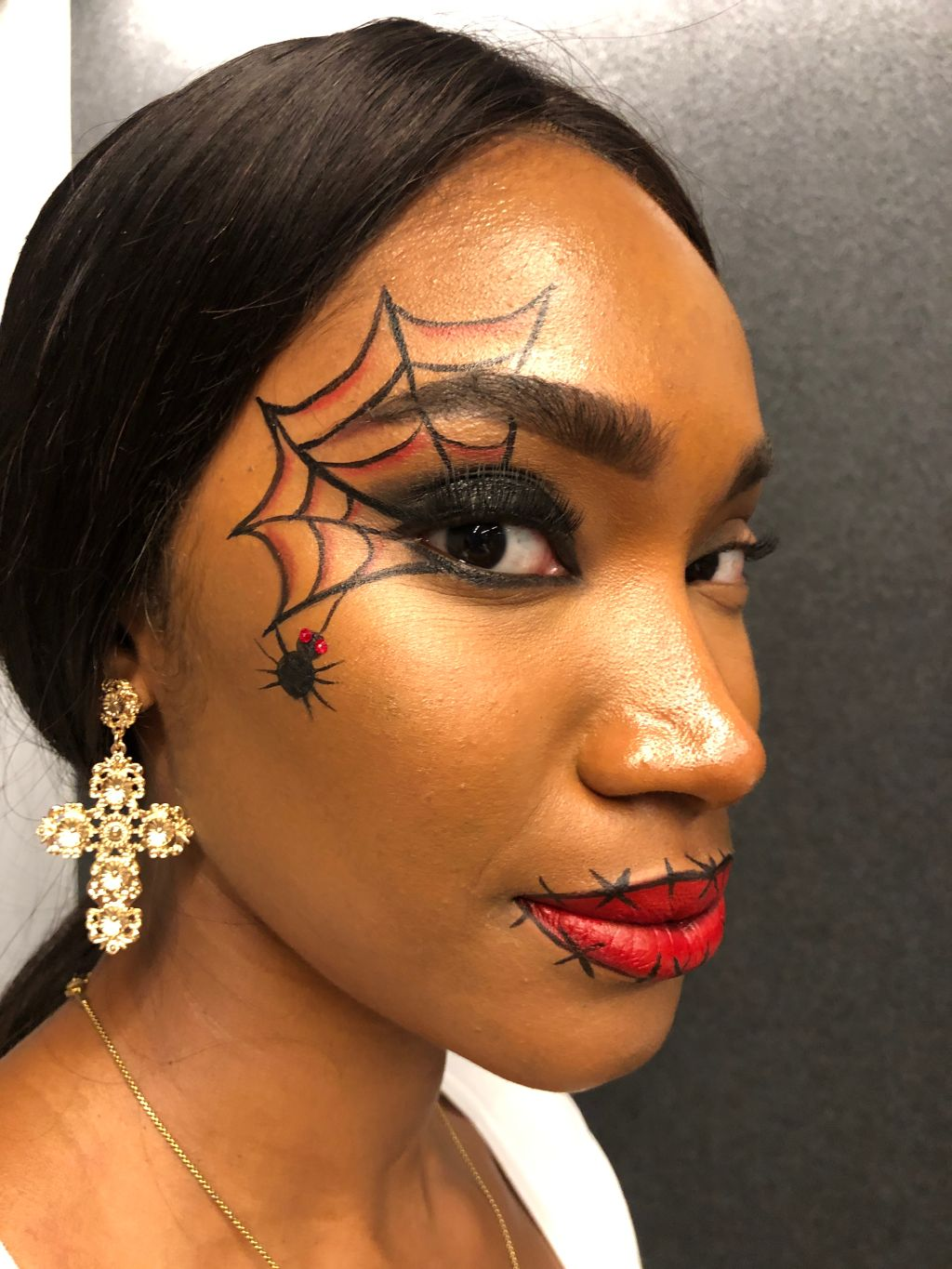 Pond's Halloween Makeup with Glamsquad