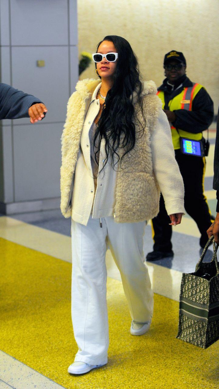 Rihanna, JFK Airport, 2019
