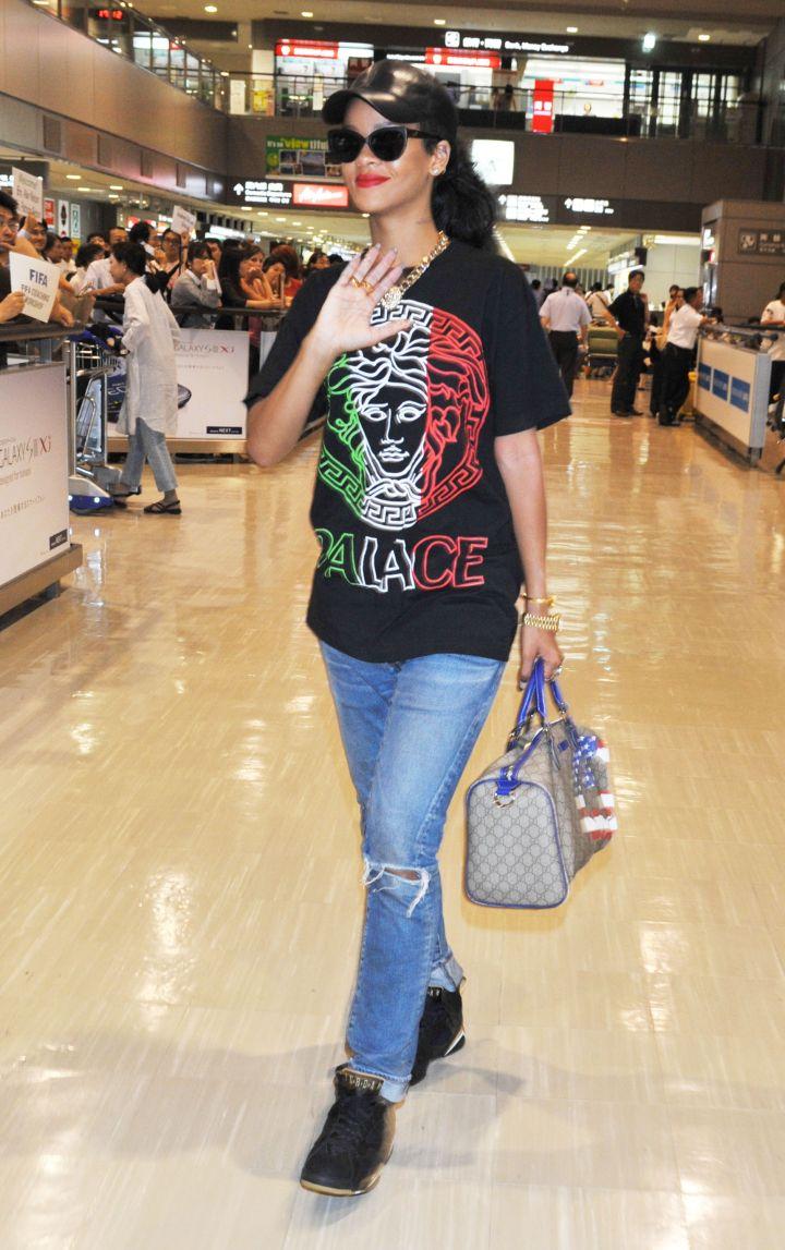Rihanna Arrives In Tokyo In 2012