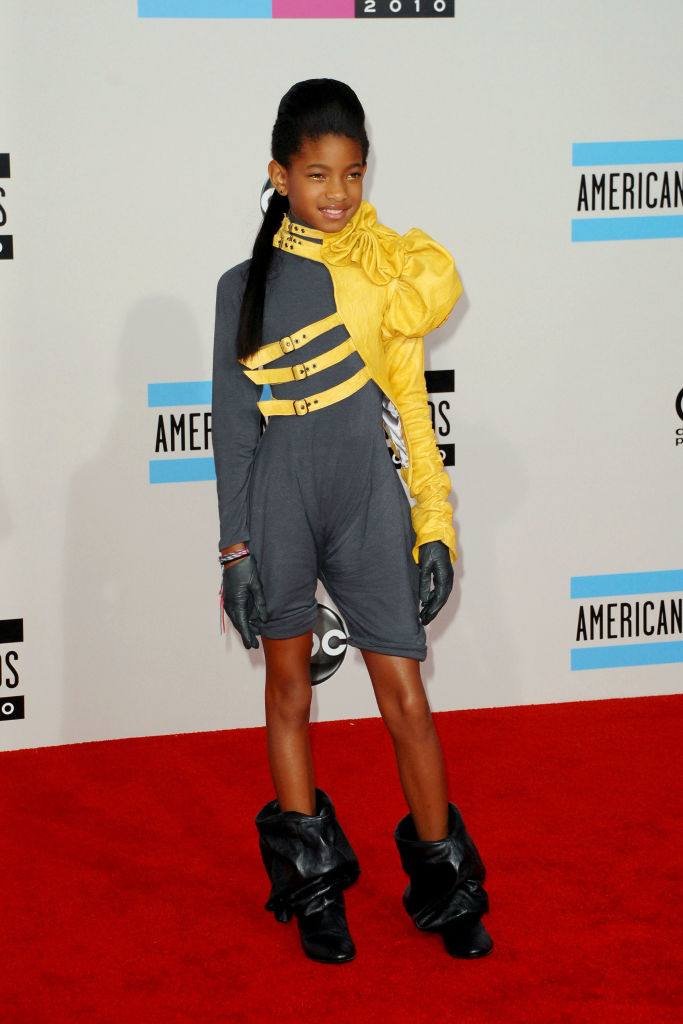 WILLOW SMITH AT THE AMERICAN MUSIC AWARDS, 2010