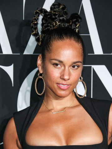 Singer Alicia Keys wearing Thierry Mugler and St. Laurent shoes arrives at the 2019 Harper's BAZAAR Celebration of 'ICONS By Carine Roitfeld' held at The Plaza Hotel on September 6, 2019 in Manhattan, New York City, New York, United States.