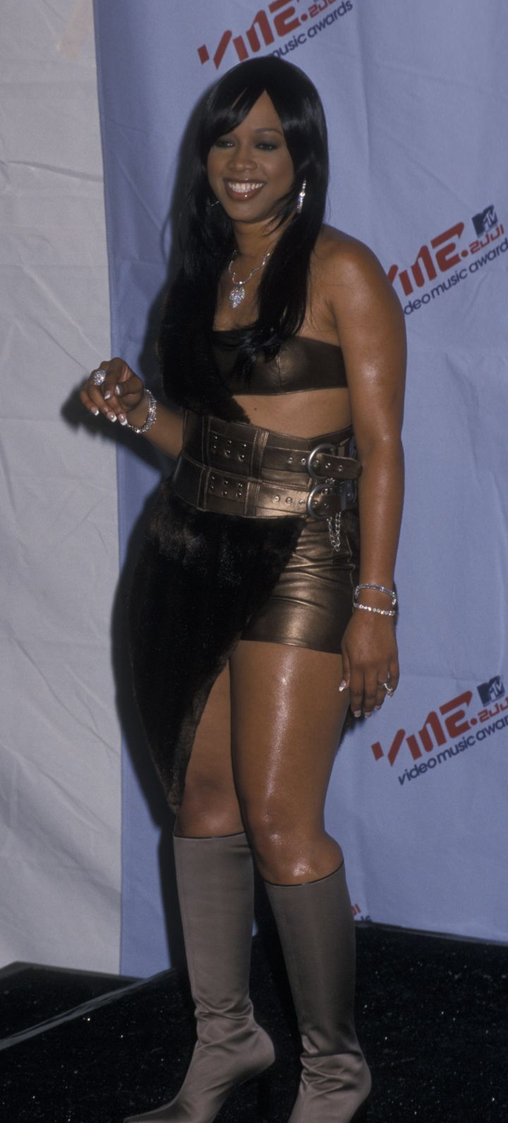 TRINA AT THE 18TH ANNUAL MTV VIDEO MUSIC AWARDS, 2001