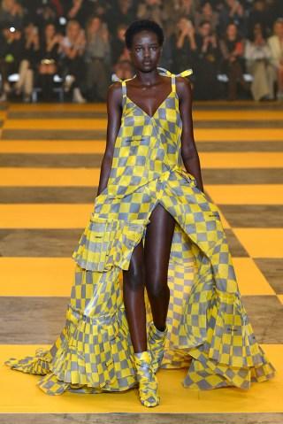 Off-White - Runway - Paris Fashion Week Womenswear Fall/Winter 2019/2020
