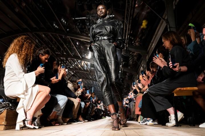 Isabel Marant : Runway - Paris Fashion Week - Womenswear Spring Summer 2020