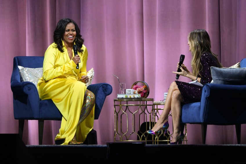 """Michelle Obama Discusses Her New Book """"Becoming"""" With Sarah Jessica Parker"""