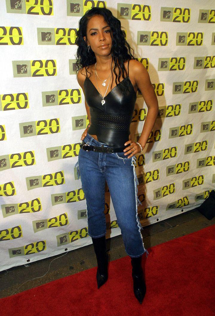 AALIYAH AT THE MTV 20TH ANNIVERSARY, 2001