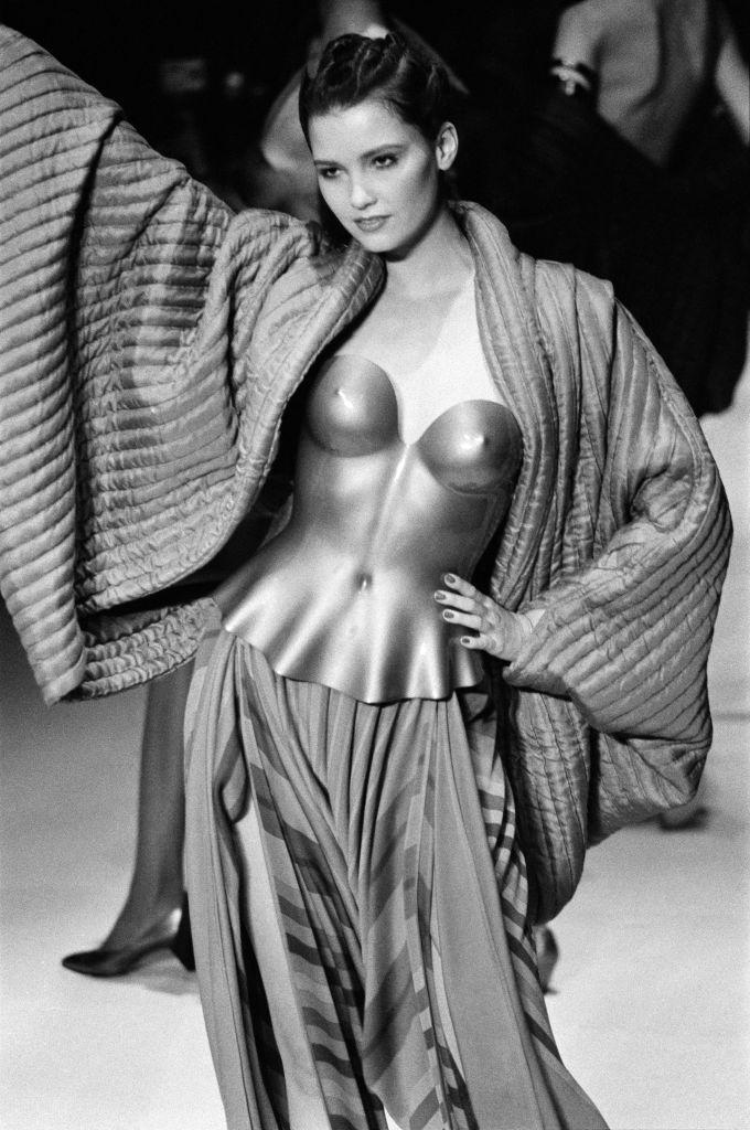 Défilé Issey Miyake, Prêt-à-Porter Automne/Hiver 80-81 en 1980