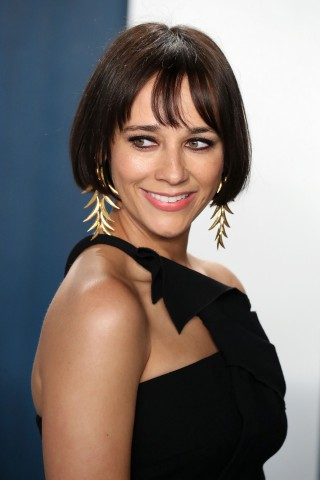 Rashida Jones arrives at the 2020 Vanity Fair Oscar Party held at the Wallis Annenberg Center for th...