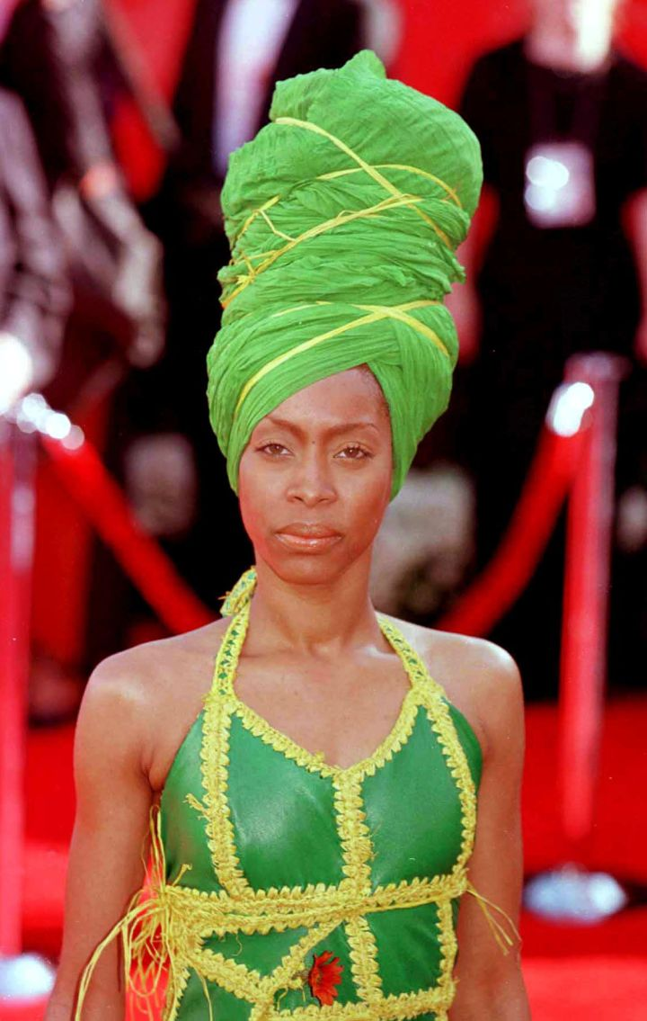 ERYKAH BADU AT THE 72ND ANNUAL ACADEMY AWARDS, 2000