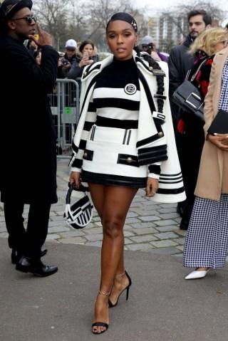 Balmain : Outside Arrivals - Paris Fashion Week Womenswear Fall/Winter 2020/2021