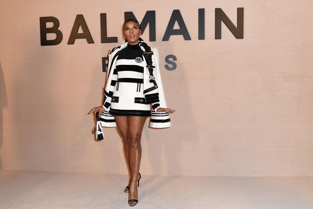 Balmain : Front Row - Paris Fashion Week Womenswear Fall/Winter 2020/2021