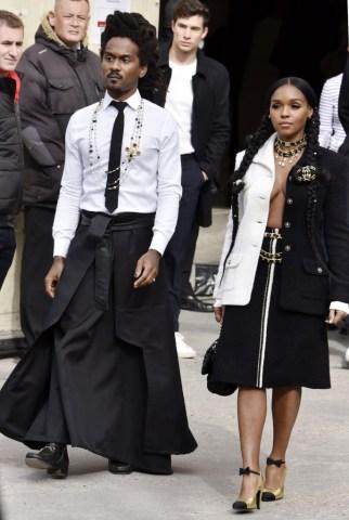 Chanel : Outside Arrivals - Paris Fashion Week Womenswear Fall/Winter 2020/2021
